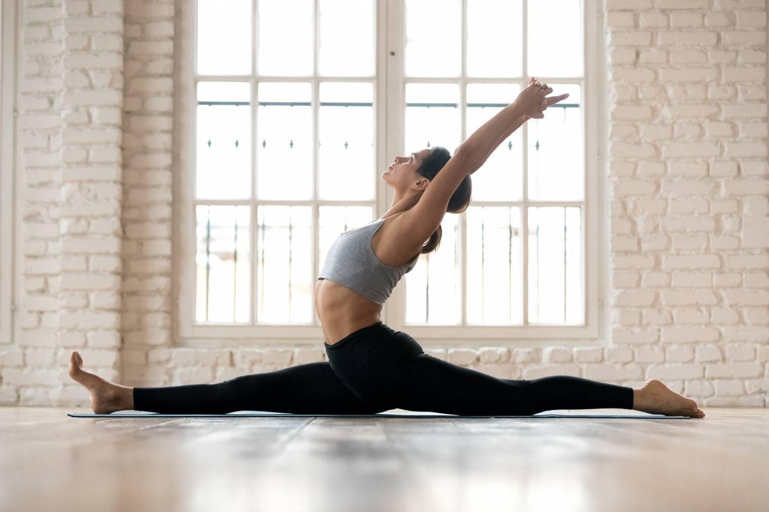 Réussir à faire le grand écart latéral : exercices et astuces